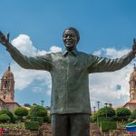 Statue de Nelson Mandela à Pretoria - afrique du sud - terra south africa