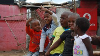 enfants du township de Soweto - circuit afrique du sud - terra south africa